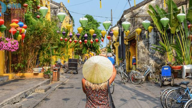 DIAMベトナム株式ファンド(愛称:ベトナムでフォー)の実態は?投資指標は評判通り?トータルリターン・標準偏差やシャープレシオの水準に不安材料。基準価額チャートなど運用成績比較で評価